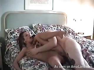 Beauty rides up 10-Pounder of her boyfriend and bounds on it fast